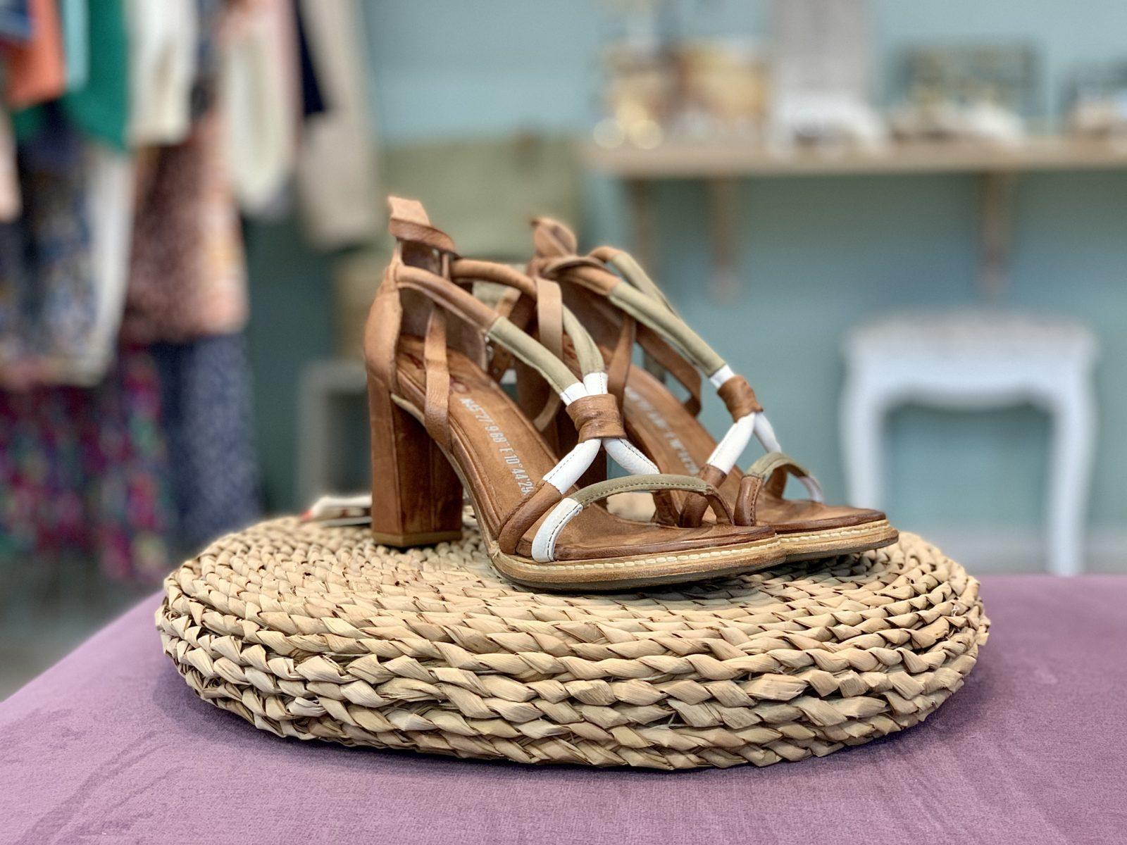 sandales à talons marrons